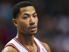 Derrick Rose answers telephone, head comes off