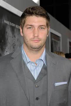 Chicago Bears Sign Jay Cutler To Seven Year Contract, Only Gives His Condescending Smirk Three